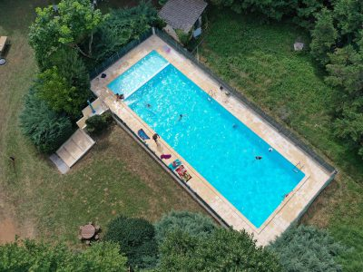 Swimming pool and<br />